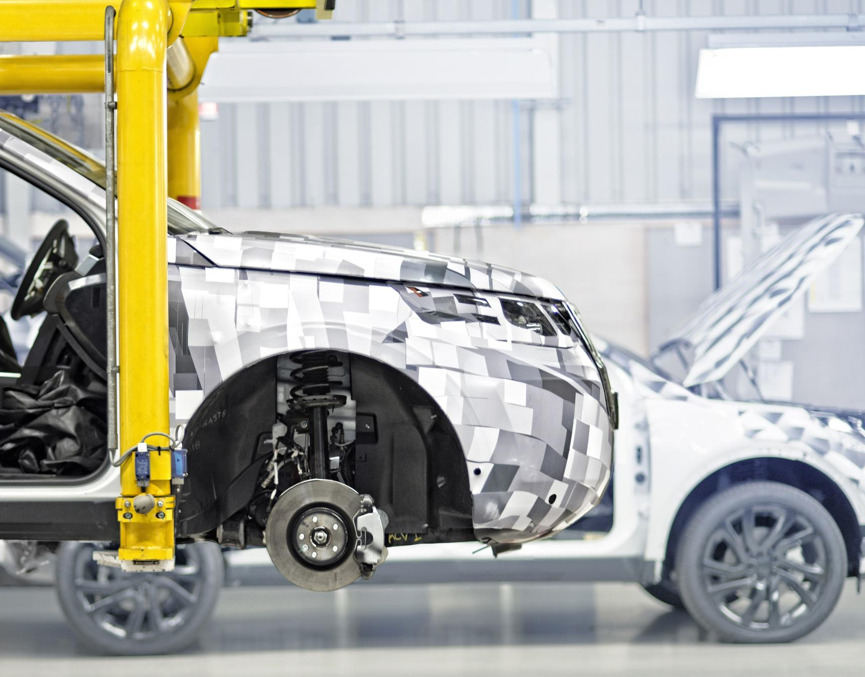 163 200 Million And 250 New Jobs At Jaguar Land Rover For