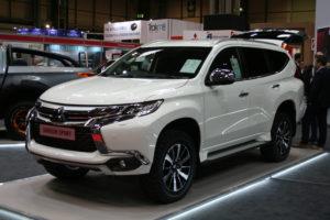 Mitsubishi Motors Latest Models >> Two New Mitsubishi Models Debut At Cv Show Smmt